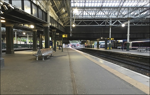 Edinburgh Waverley by David Gadient, 2016